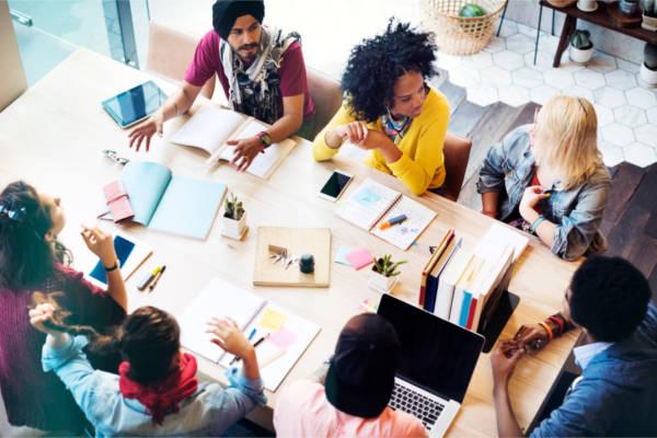 HR-企业文化和最战斗的,政治正确性图像