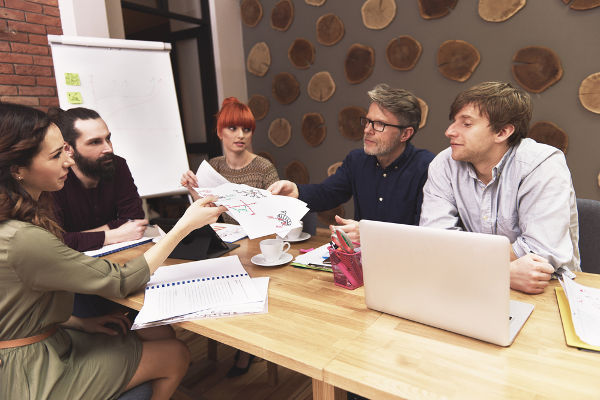 How to Tell Your Employees that Your Business is Struggling